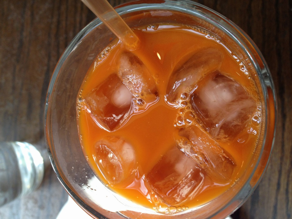 Cha-yen aka «Thai Iced Tea» soooooo sweet & delicious!