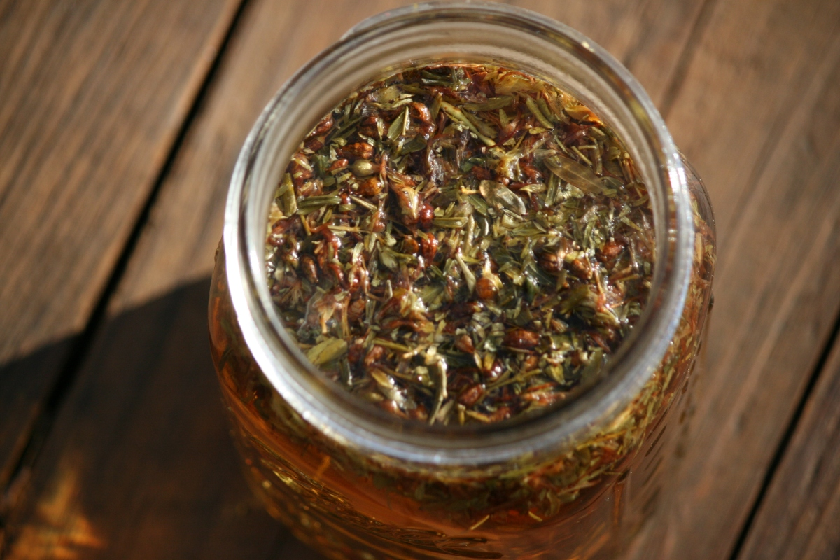 Benefits of drinking St. John's wort tea